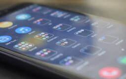 How do mobile apps promote business?