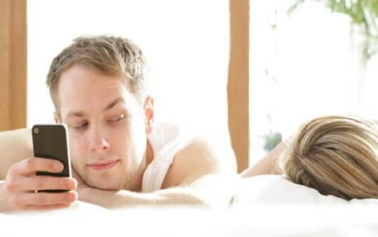 How to Deal With a Cheating Spouse